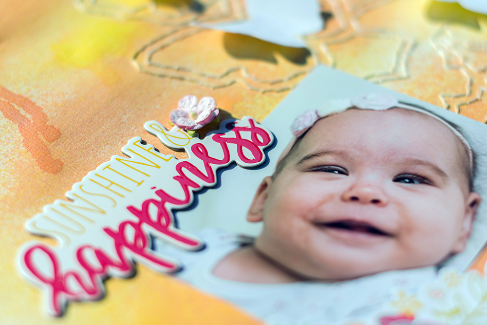 Sunshine and Happines scrapbook oldal Heidi Swapp Color Shine